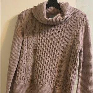 Mid length sweater